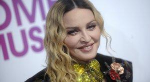 Madonna trükkel csavarta ki lányai kezéből Pikachut