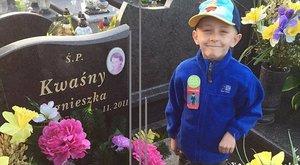 Elhunyt a kisfiú, aki azt kérte az élettől utoljára: anyja mellett nyugodhasson