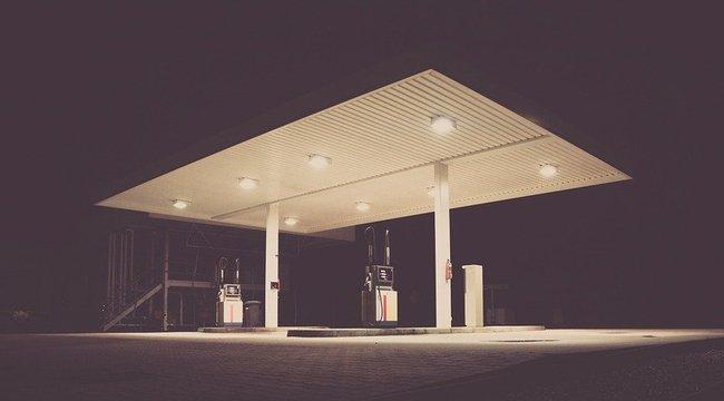 Fizetés nélkül hajtott el a benzinkútról egy férfi