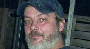 A Facebookon jelentette be öngyilkosságát István