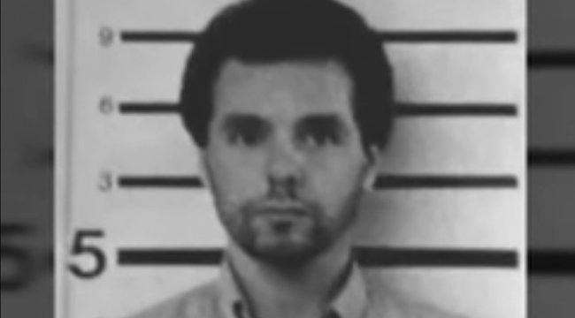 A rács mögött végeztek az amerikai kriminalisztika leghíresebb sorozatgyilkosával