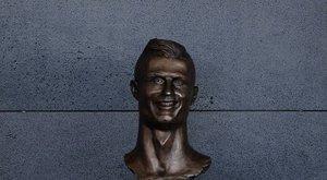 Nem csak Ronaldo kapott szobrot, de a többiek örülhettek is neki