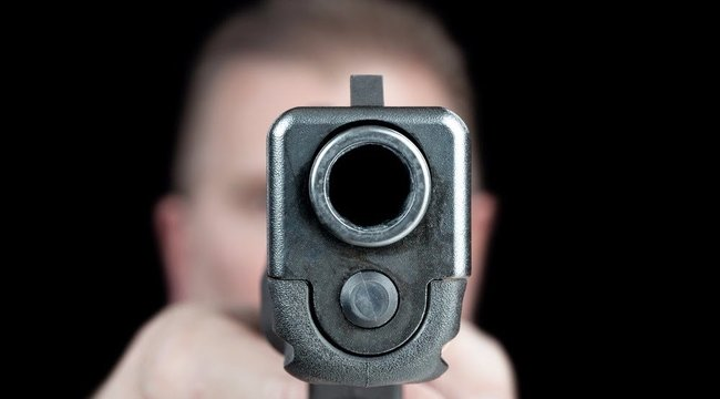 Le akarta lőni a rendőröket a rablógyilkos László