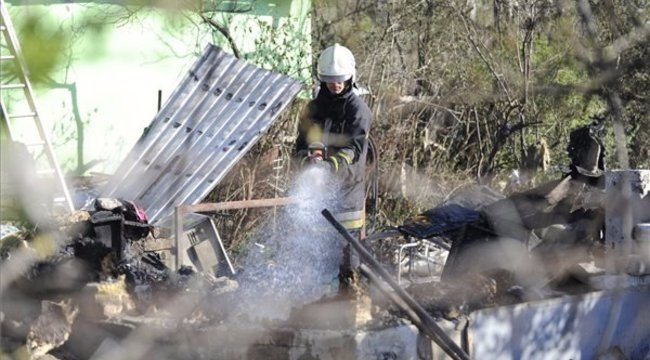 Egy ember meghalt a csepeli lakástűzben - fotók