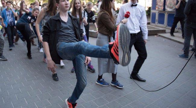 Hülyén járók lepték el szombaton a belvárost - videó, fotók