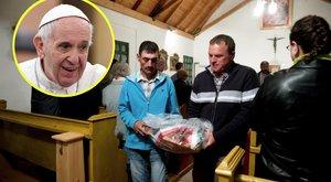 300 kiló sonkát visznek a pápának a magyar zarándokok