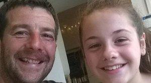 Lányával nyaralt az özvegy, mikor a hotelbenpedofíliával gyanúsították meg