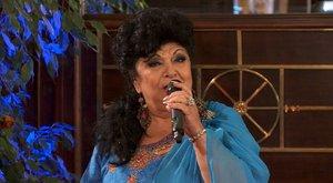 Sírva kezdte műsorát Bangó Margit
