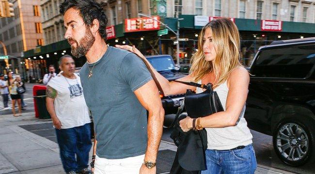 Szakáll miatt áll a bál Jennifer Anistonéknál