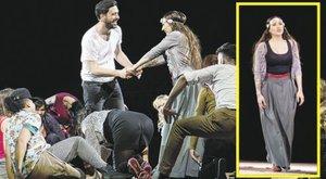 Tóth Gabi elmondta, milyen volt sérült lábbal játszani Alföldi darabjában