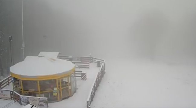 Hó borítja a Kékestetőt és a Galyatetőt is