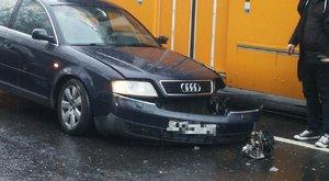 Villamos és autó karambolozott a Haller utcánál - fotók