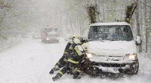 A hét közepi időjárás miatt hat település továbbra is megközelíthetetlen