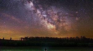 Gyönyörű! Csillagfénnyel festi meg képeit Rafael