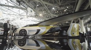 Nem sci-fi: vegyen repülő autót!