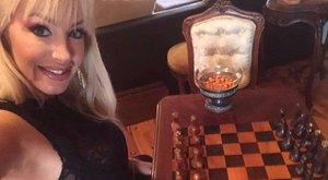 Döbbenet: Kelemen Anna sakkozik is a szerelmével