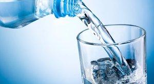 Ásványvizet vagy csapvizet igyunk?