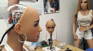 Elképesztő: lepedőgyűrésből fejleszti magát a robotlány