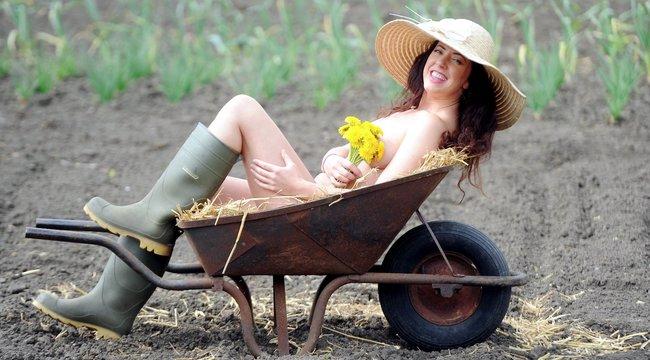 Világnap:vetkőzzetek, kertészek!