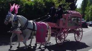 Szívszorító: rózsaszín temetést kapott a csecsemő, aki nem élhette meg az első születésnapját