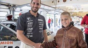 Kiss Norbi miatt lett autóversenyző a 12 éves Lali