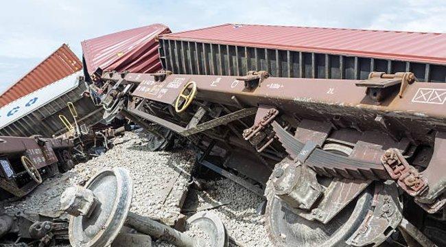 Kisiklott egy vonat Görögországban, többen meghaltak