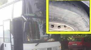 Kopott gumival akarta szállítani a busz a gyerekeket – megszólalt a busztulajdonos