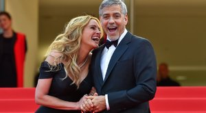 Clooneyt bátorítja Julia Roberts