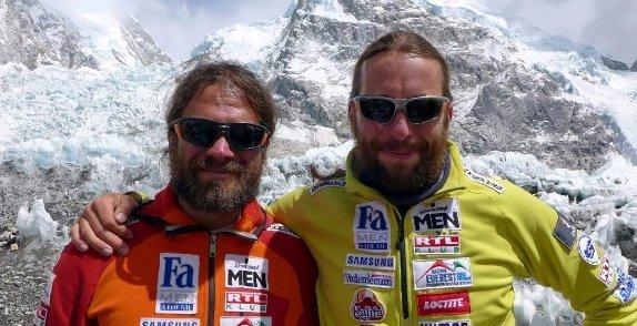 Mount Everest: megkezdte a csúcstámadást a magyar hegymászó-páros