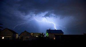 Vigyázat! Számos járat lebénult a hatalmas vihar miatt Budapesten