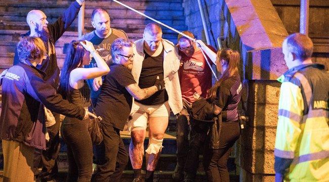 Magyar szemtanú Manchesterben: Ellenőrzés nélkül engedték be az embereket a koncertre