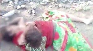 Szívfacsaró: anyja holt testéből szopik a síró, 17 hónapos kisfiú – videó