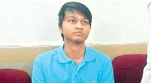 Gyilkos üzenet: anyja vérével írt smiley-t a bukott diák