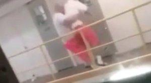 Harc a börtönben: az erkélyről dobta le társát a rab