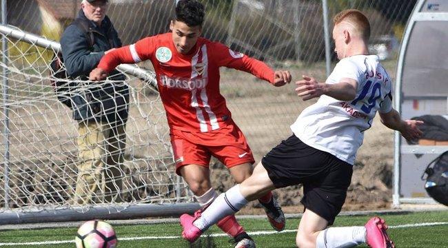 Legyőzte a rákot a Diósgyőr 17 éves focistája