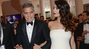 Clooney nem mozdul a felesége mellől