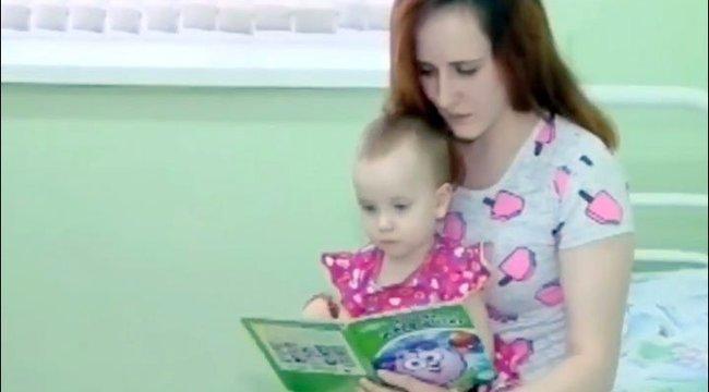 Ez a másfél éves kislány lenne lenne az igazi Csipkerózsika?