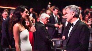 Ilyen szépek lesznek George Clooney ikrei