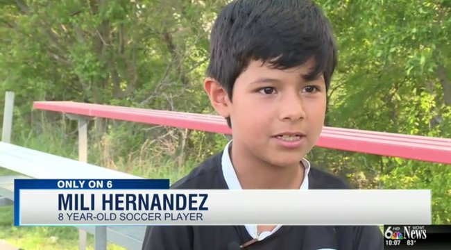 Nem focizhat tovább a 8 éves lány, mert fiúnak néz ki