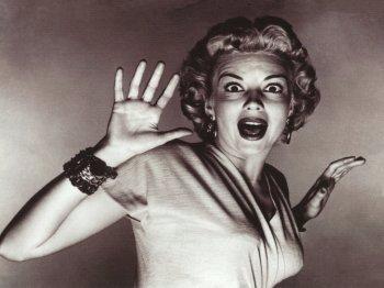 Ön szerint is undorító egy papucsban felszolgált babfőzelék? fotók