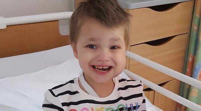 Halála előtt: 5 évesen hozzáment a legjobb barátjához