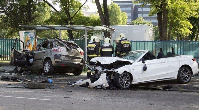 Durva: nem is ülhetett volna a volánnál a Dózsa György úti halálos baleset mercis résztvevője