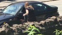 Exe BMW-jén állt bosszút a dühös nő