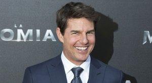 Bibliaolvasás közben döntötte meg lányokat Tom Cruise
