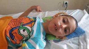 Nem adják fel: harcolnak a nagybeteg Martinért szülei