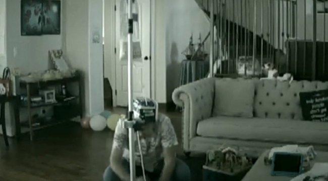 Döbbenetes felvétel: tehetetlenül néztéka szülők, ahogy beteg gyereküket verik - videó