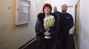15 év megtévesztésért 15 év börtönt kaphat Bróker Marcsika