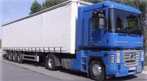 Több mint 90 embert találtak egy Magyarországra tartó kamionban