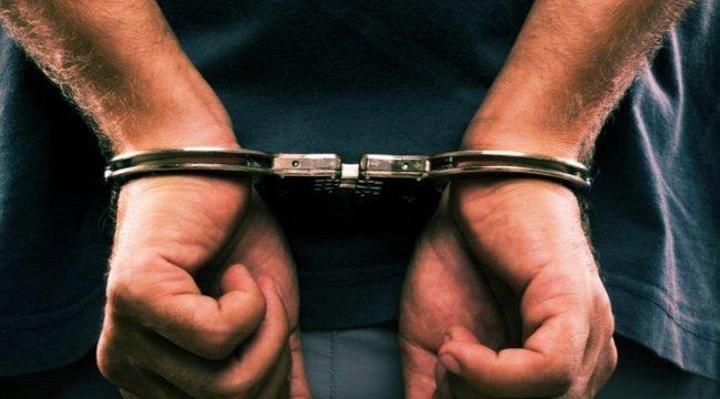 Korrupció miatt a NAV emberei, egy ügyvéd és egy ügyész is őrizetbe került