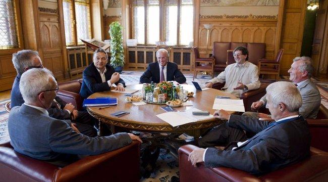 Eltűntek Orbán mellől a tanácsadói